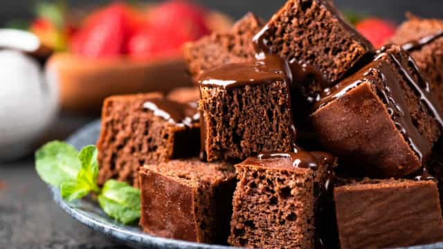 Receita de brownie no micro-ondas (uma autêntica explosão de chocolate)