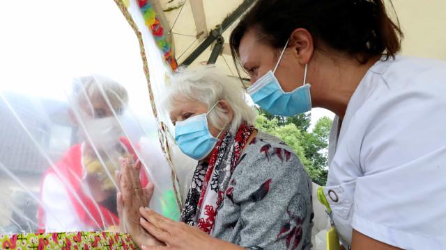 Mais de 516 mil mortos e mais de 10,7 milhões de infectados no mundo
