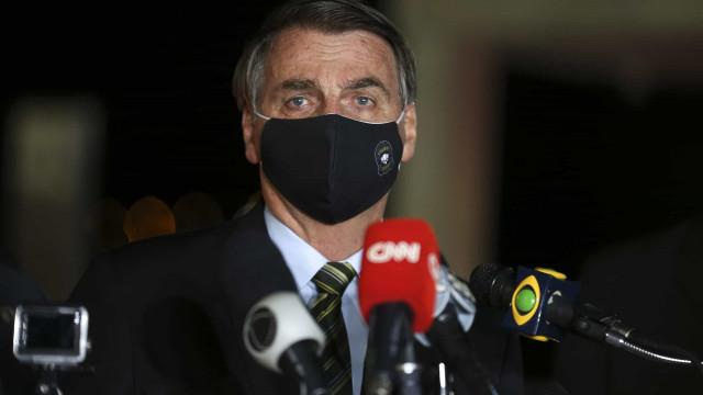 Emissoras afastam equipes que cobriram Bolsonaro sobre a Covid-19