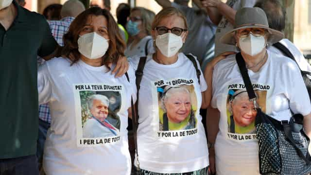 Covid-19: Casos duplicam na Espanha. Mais 257 infectados e 4 mortes