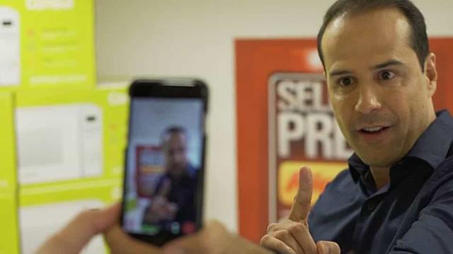 Fundador da rede Ricardo Eletro é solto após prestar depoimento em MG