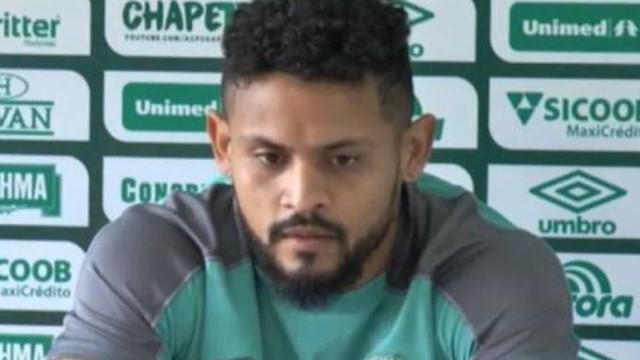 Atacante Roberto, da Chapecoense, é internado com Covid-19