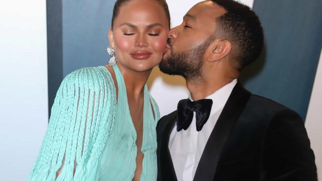 John Legend admite que traiu a ex-namorada ao conhecer a atual esposa