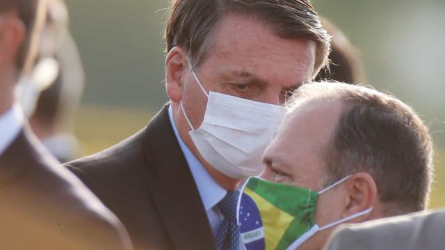 Bolsonaro: Pazuello está fazendo um excepcional trabalho na Saúde