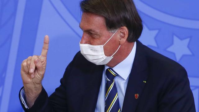 Bolsonaro nega que chamou Covid-19 de 'gripezinha'