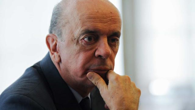 Serra afirma ter sido surpreendido por 'abusiva operação'