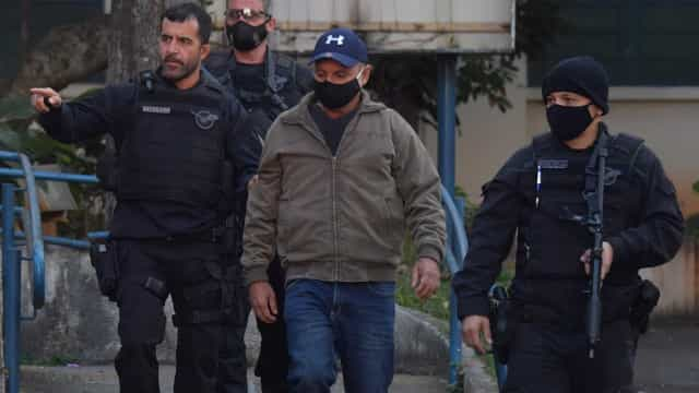 Investigação mapeia elos entre Queiroz e miliciano