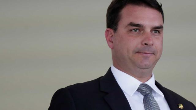 Flávio Bolsonaro renuncia a cargo na Mesa Diretora do Senado