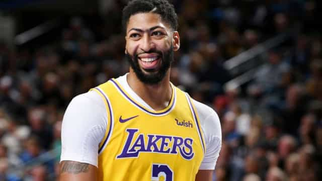 Lakers vencem Orlando Magic, mas perdem Davis