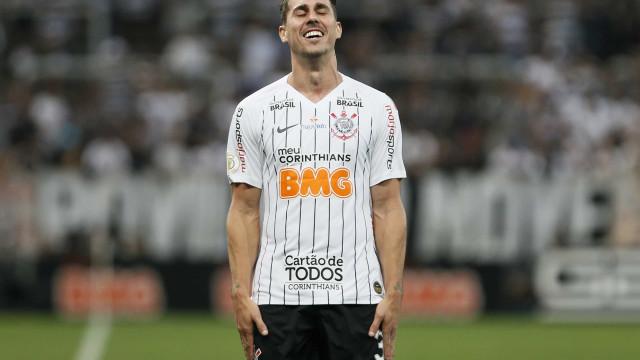 Corinthians dispensa Danilo Avelar após ofensas raciais em jogo de eSports
