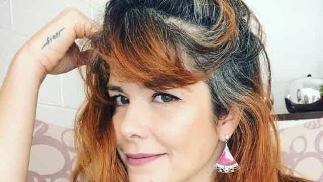 Samara Felippo fala sobre processo de aceitar o cabelo grisalho