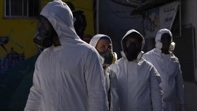 Números sobem no Brasil: 23 mil novos casos e 661 mortes em 24 horas