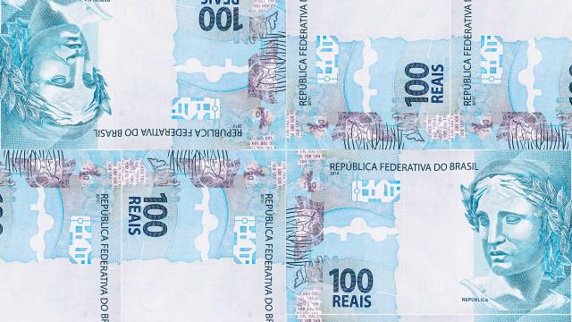 Papel-moeda tem recorde de circulação no País