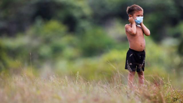 Covid-19: crianças têm alta carga viral e podem ser mais infecciosas