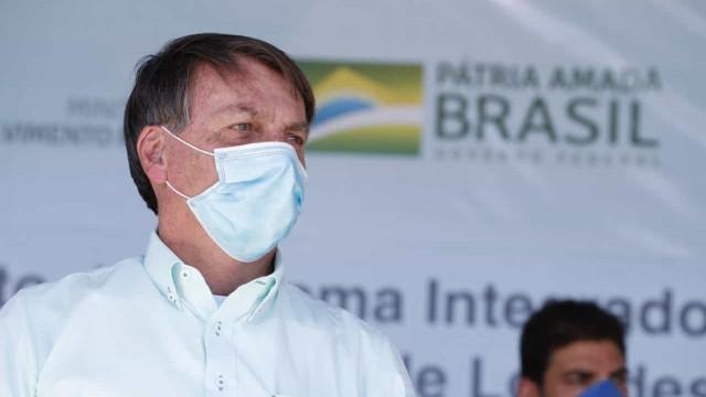 Com adversários de Doria, Bolsonaro visita obra de ponte em São Vicente