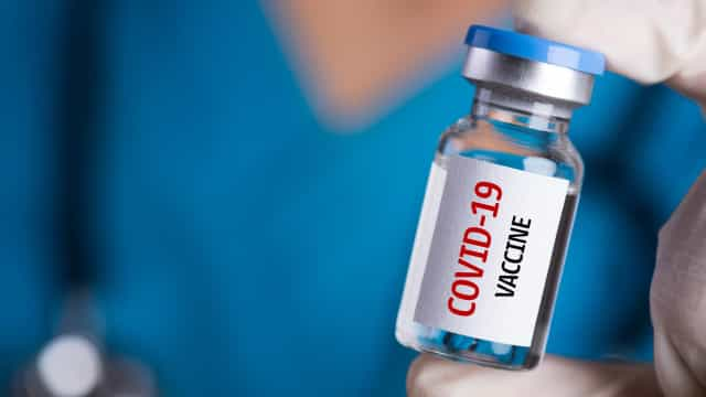 Falta de dados e de transparência criam desconfiança sobre a vacina