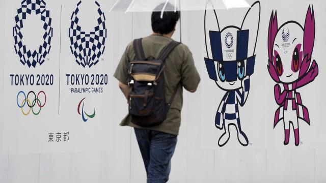 Mais vazia, Tóquio volta a apertar o cerco contra a covid-19