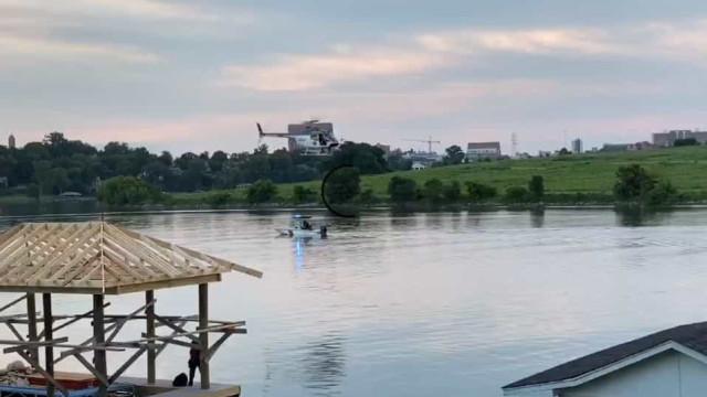 Queda de helicóptero no rio Tennessee faz um morto