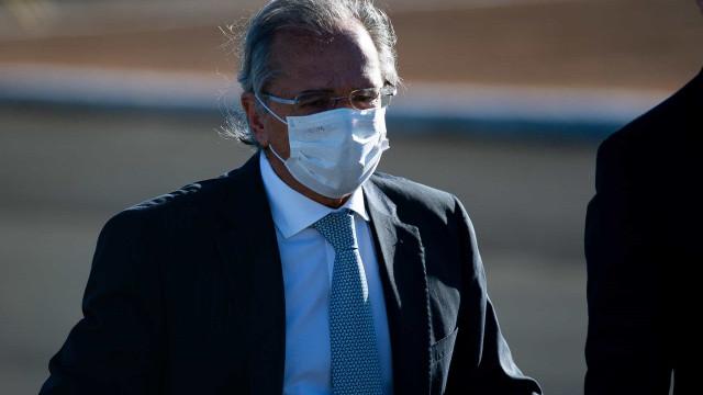 Por apoio à CPMF, Guedes propõe cortar à metade tributos sobre salários