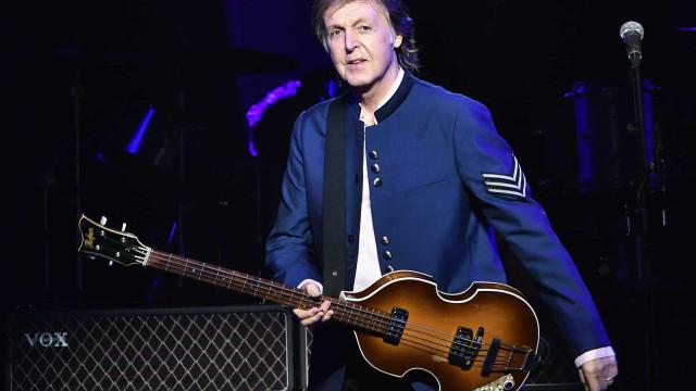 Paul McCartney diz que recorreu ao álcool após separação dos Beatles