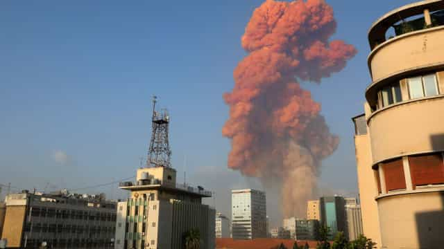 Pelo menos 10 mortos e vários feridos na explosão em Beirute