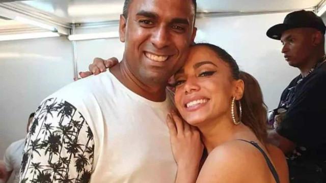 Irmão recém-descoberto vai adotar sobrenome da família de Anitta