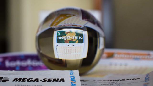 Ninguém acerta a Mega-Sena e prêmio acumula em R$ 34 milhões