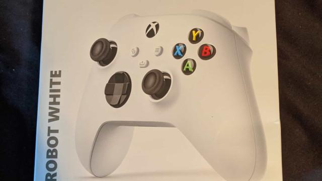 Imagem do comando confirma segundo modelo do novo Xbox