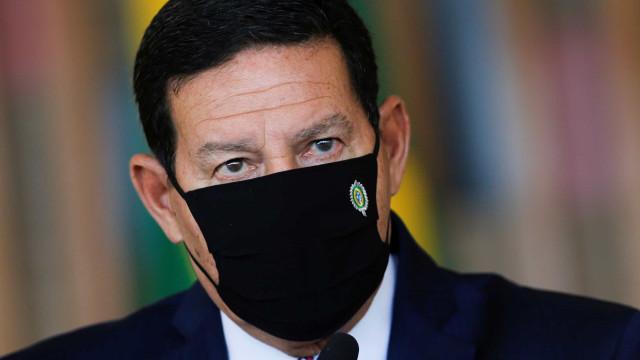 Deputados europeus pressionam Mourão a não restringir ONGs na Amazônia