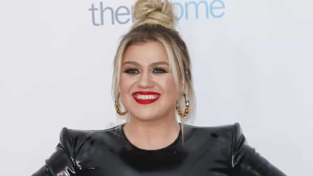 Kelly Clarkson substitui Simon Cowell no reality America's Got Talent