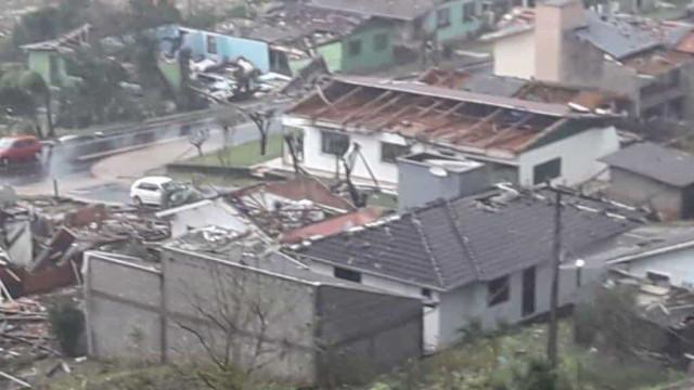 Tornados deixam feridos, desabrigados e provocam rastro de destruição em Santa Catarina