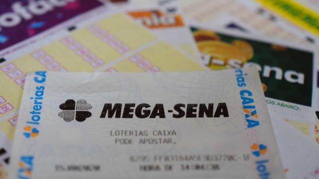 Mega Sena acumula e deve pagar R$ 33 milhões na quarta