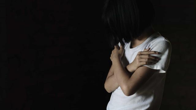 Aumenta proporção de crianças com até 13 anos vítimas de estupros no Brasil