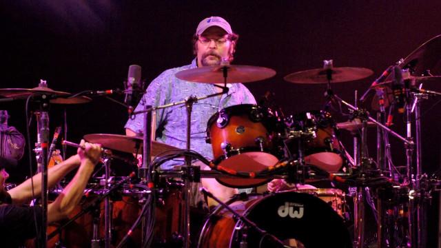 Morre ex-baterista dos Widespread Panic, Todd Nance, aos 57 anos