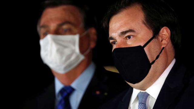 Aliados dizem que Maia ameaça dar aval a impeachment de Bolsonaro