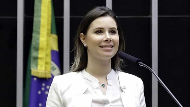 Deputada bolsonarista defende o fim da cota feminina