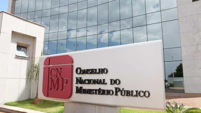 Conselho do MP pune procuradora por posts ofensivos a Bolsonaro