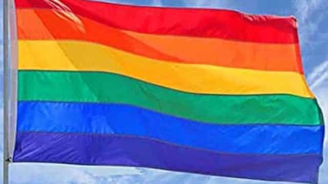 Uefa proíbe bandeiras com arco-íris em metade dos jogos das quartas da Eurocopa