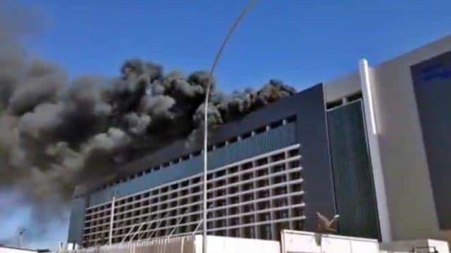 Incêndio atinge hospital particular em Brasília, mas fogo já está controlado
