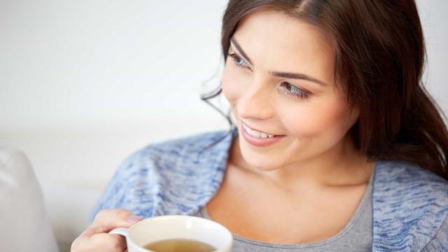 Nem tudo é bom! Consequências negativas de beber chá em excesso