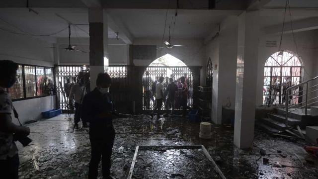 Explosão de gás mata ao menos 17 em mesquita de Bangladesh