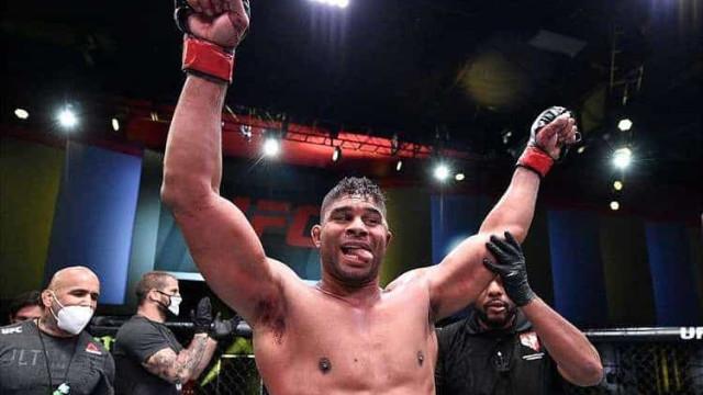 Overeem vence Sakai por nocaute na luta principal do UFC em Las Vegas