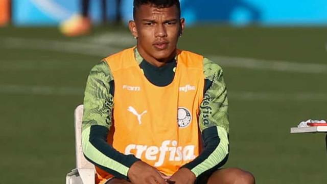 Invicto, Palmeiras conta com a estrela de Veron e vira sobre o Bragantino