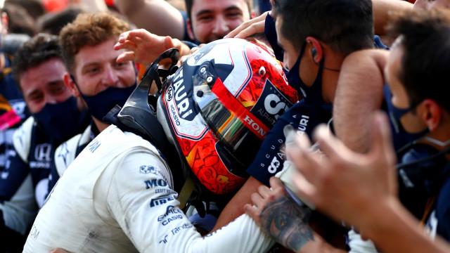 Pierre Gasly recebe ligação de Macron após quebrar jejum na Fórmula 1