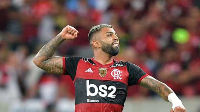 De olho no título, Flamengo encara Athletico em Curitiba