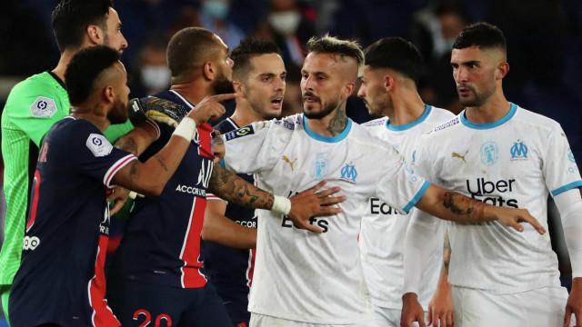 Neymar é suspenso por dois jogos por briga com Álvaro González