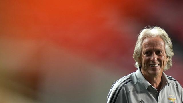 Jorge Jesus rasga elogios a Arão e manda recado especial após marca pelo Flamengo