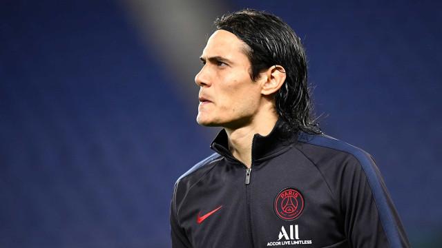Cavani deve estrear pelo Manchester United, nesta terça-feira, diante do PSG