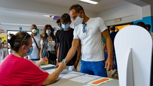 Mais de mil casos na Itália pelo 15º dia seguido.