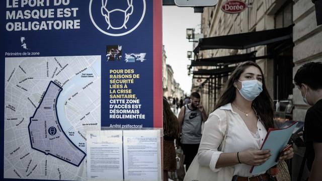 França: quase 10 mil novos casos e ultrapassa os 400 mil infectados